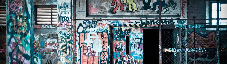 Wall painted with graffiti without anti graffiti paint