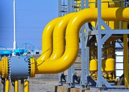 high temperature paint applied on industrial pipes