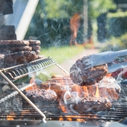 Heat proof enamel paint protects the surfaces of barbecues from the heat of the flames.
